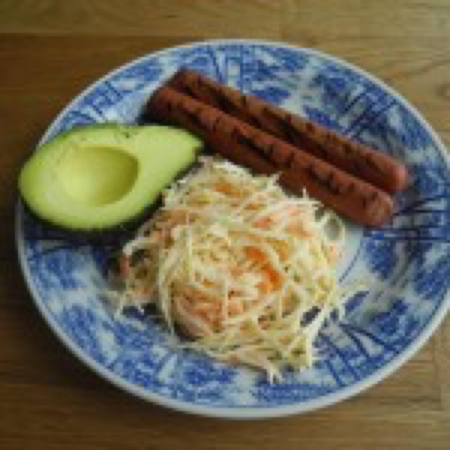 kycklingkorv coleslaw avokado