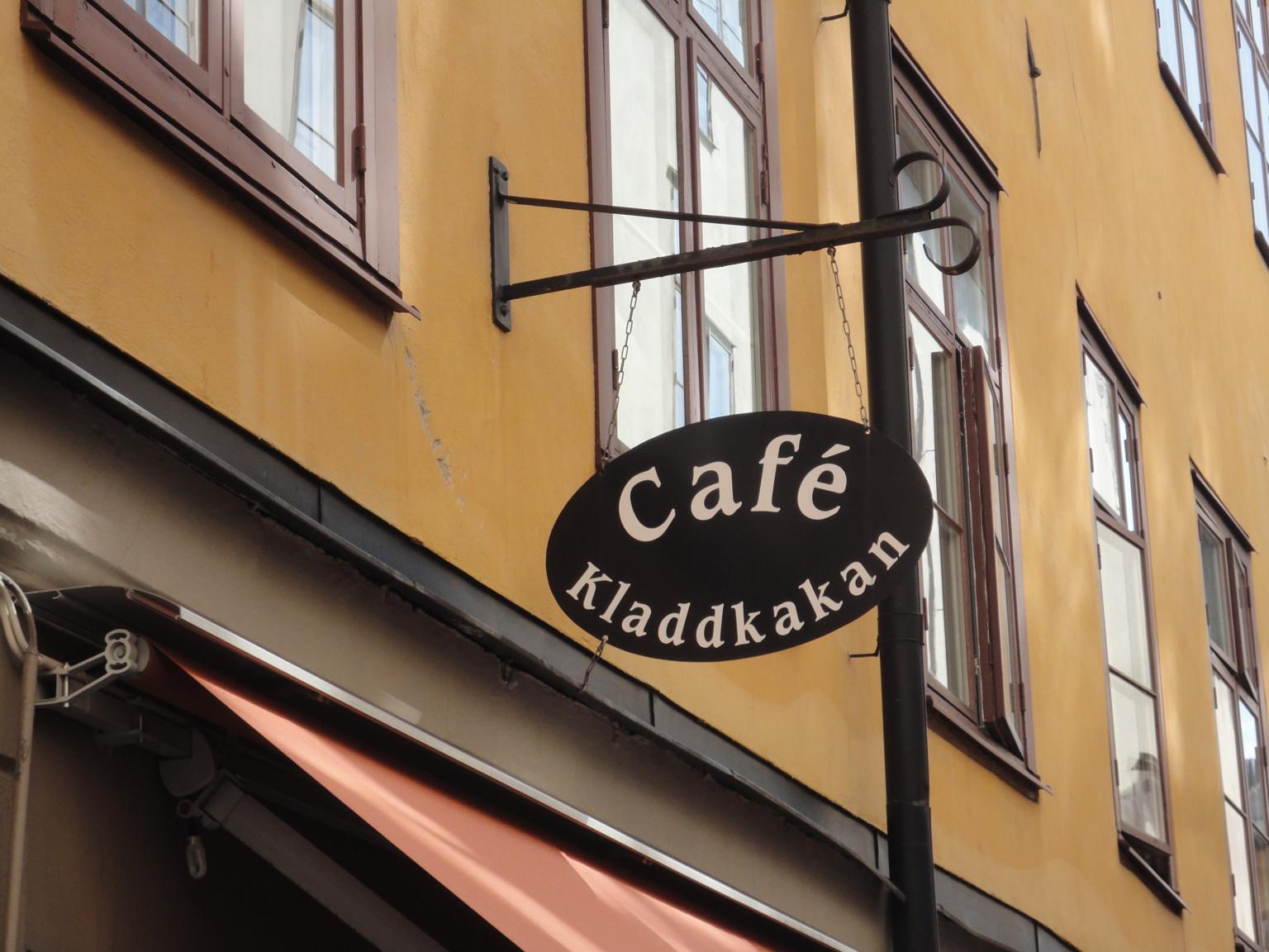 ravintola keskustelu ruotsiksi