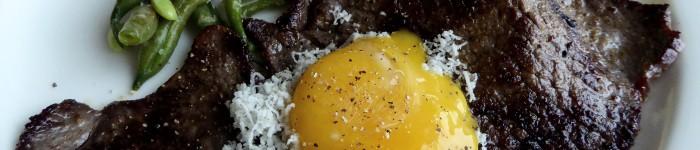 Lövbiff med äggula och pepparrot