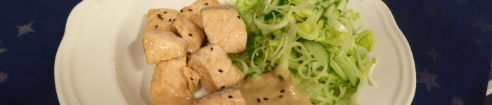 Ångad lax med krispig sallad och sojamajonnäs