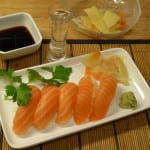 gari inlagd ingefära wasabi lax sushi japansk soja