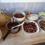 kryddig-gronsakssas-med-kottbullar-och-bonpasta