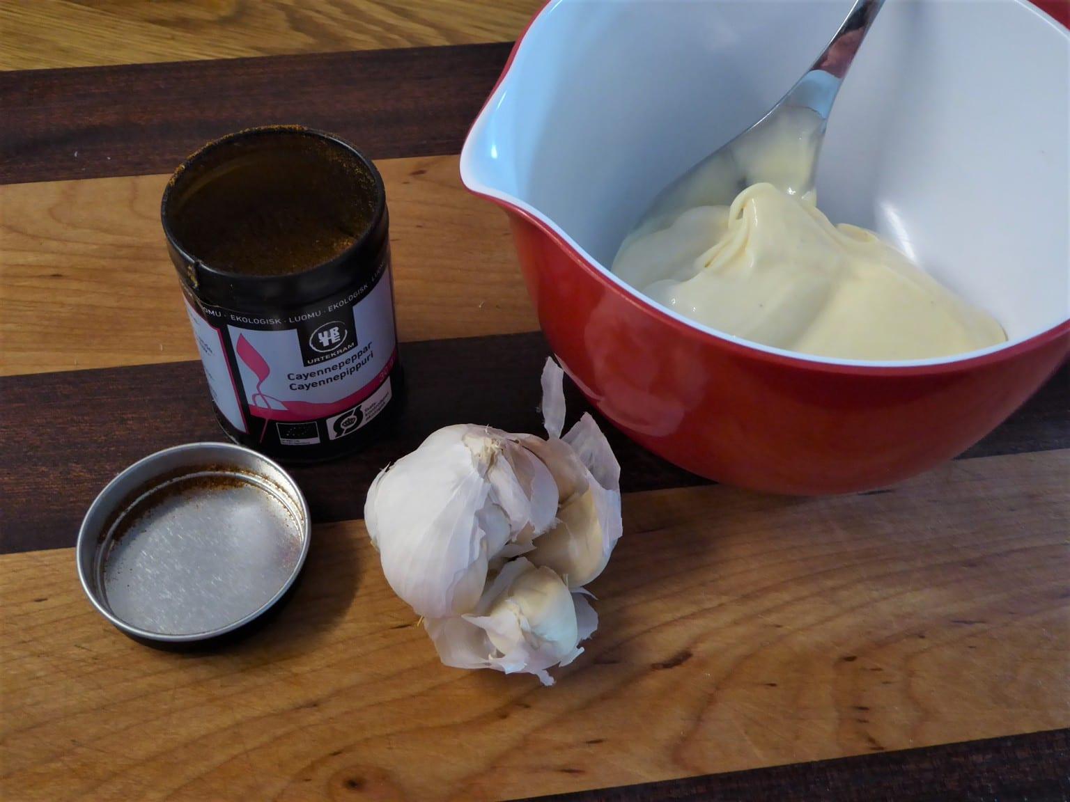 Aioli med färdig majonnäs
